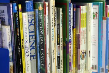 De la lecture à l'écriture d'un document scientifique en français : démarche par modélisation