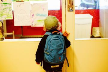 De la lecture vers l'écriture et la communication orale en immersion précoce au primaire