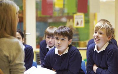 Perfectionnement linguistique et pratiques de classe pour enseigner la grammaire et le lexique